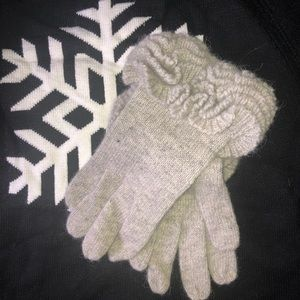 unbranded Accessories - Gray Wool Ruffled Gloves